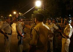 reuters_police_mumbai_248