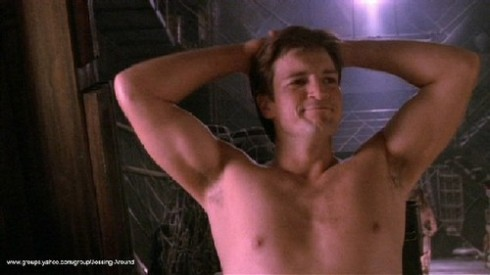 naked-mal-nathan-fillion-260851_500_281