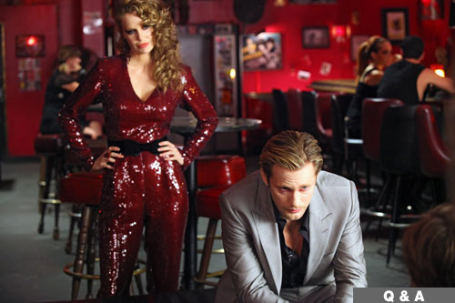 http://moderateinthemiddle.files.wordpress.com/2009/08/pam-red-sequin-outfit.jpg