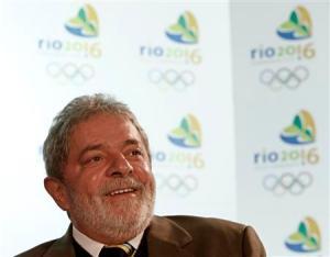 Brazils President Luiz Inacio Lula da Silva speaks during a news conference in Copengahen October 1, 2009. REUTERS/Pawel Kopczynski